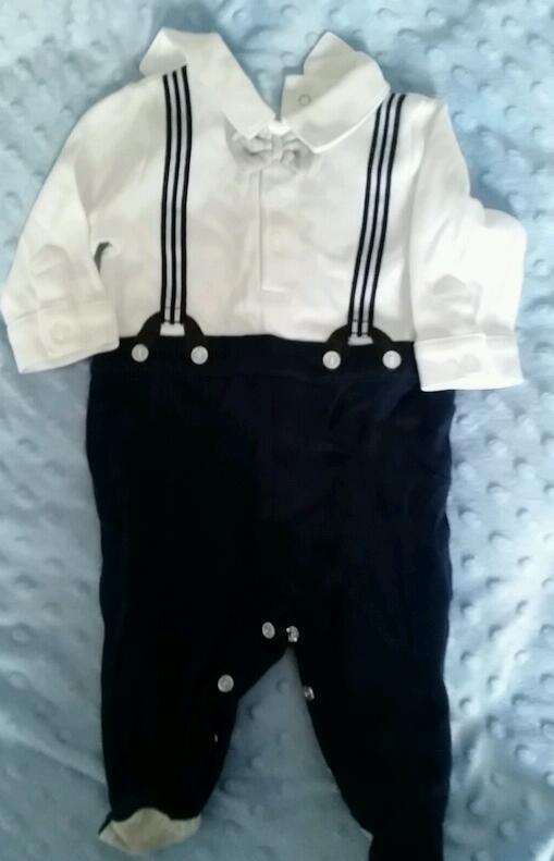 bd1bcd216c55 Mothercare romper suit