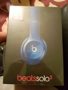 Unopened Beats Solo 2 (wired & blue)