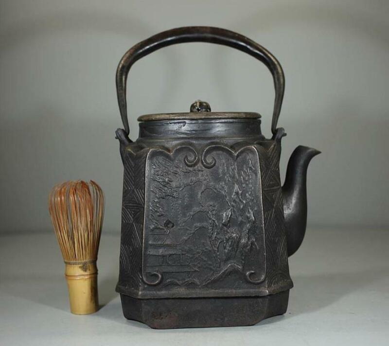 Japanese Vintage IRON TEA KETTLE 大國 Okuni 龍文堂 / W 15× H 27[cm] / Edo Period