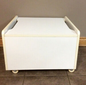 Space Saver Drawers With Wheels & Lid - St. Thomas