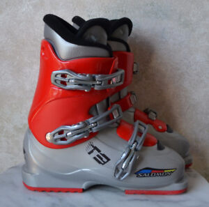 Salomon T3  Junior Youth SKI BOOTS - size 23.5 / 6 mondo 276 mm