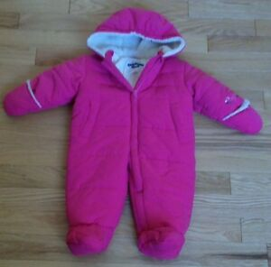 OSHKOSH Girls Snowsuit 6-9 months