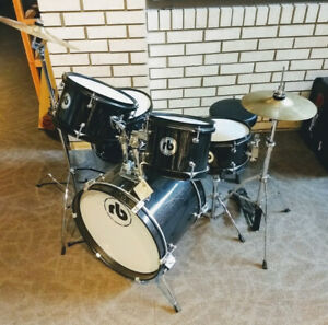 On Sale! New RB JR-5 - 5 Piece Junior Drum Set