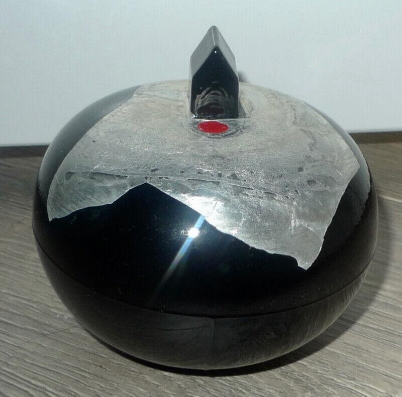 Kosta Boda Bertil Vallien Glass Earth House Paperweight Wintergarden