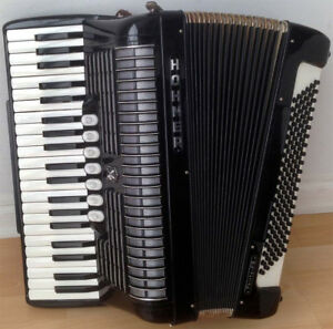 Hohner Thirty FS Accordian