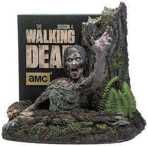 Blu-ray- Walking Dead Complete 4th Season-New and Unopened