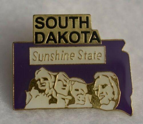 South Dakota  State colorful lapel pin Nice NEW!!!