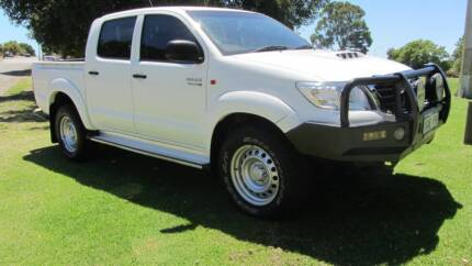 2012 TOYOTA HILUX SR DUAL CAB 4X4 MANUAL UTE Welshpool Canning Area Preview
