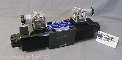 D03 hydraulic solenoid valve 4 way 3 position Tandem center 12 volt DC