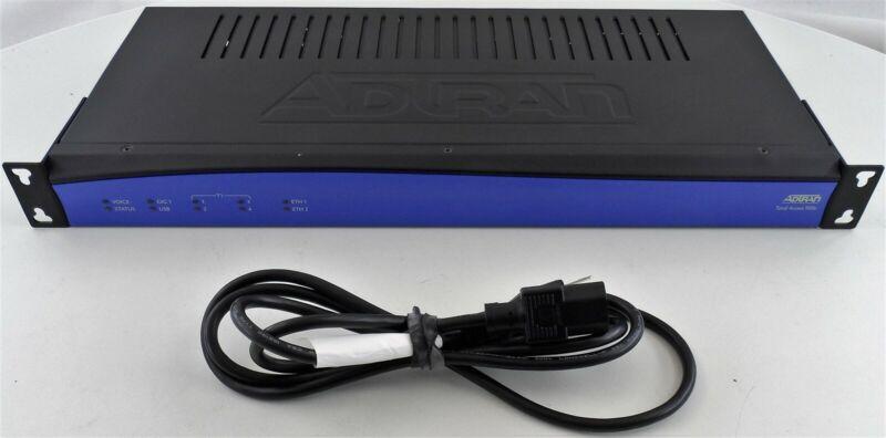ADTRAN Total Access 908e (4243908F2SBC) 3rd Gen Router Used
