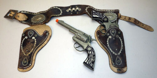 """Pair of Vintage Hubley """"Marshal"""" Toy Cap Pistols with Leather 2-Gun Holster"""