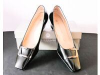 Peter Kaiser black heeled leather shoes