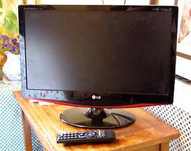 LG M227WDP 22-inch Full HD 1080p LCD TV
