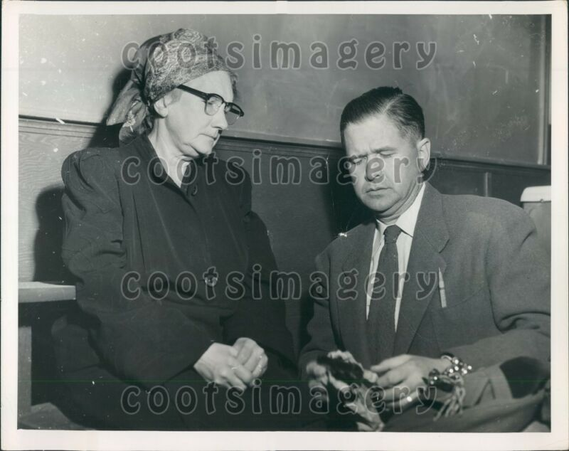 1952 Los Angeles Grandma Bandit E Martin Police Chief N Anderson Press Photo