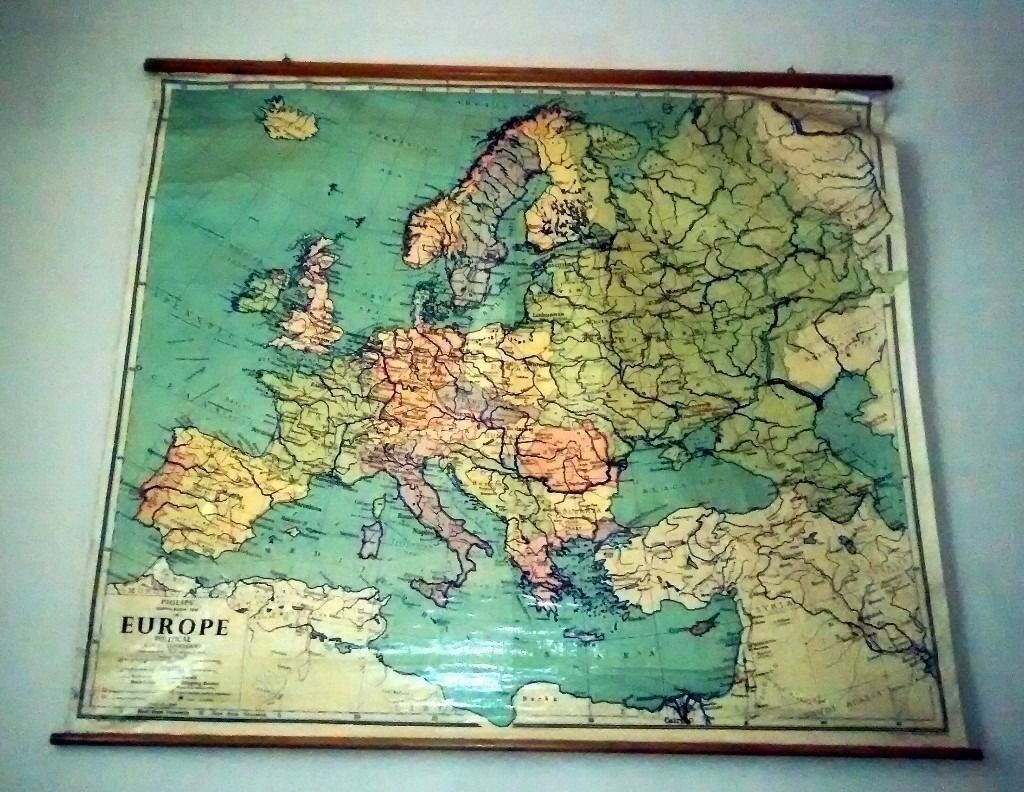 Fabulous Condition 1960s Large School Room Roll Down Map Of