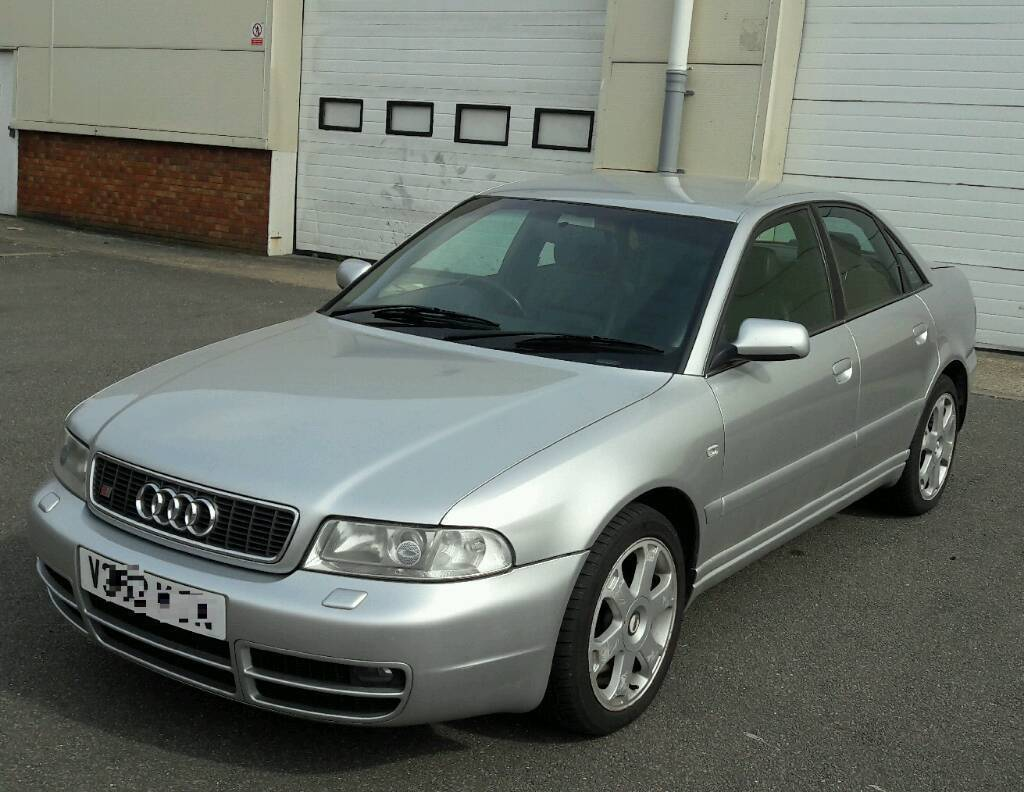 AUDI S B TWIN TURBO TOP SPEC In Luton Bedfordshire - 2000 audi s4