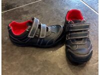 Boys Clarks Lights Shoes 9G