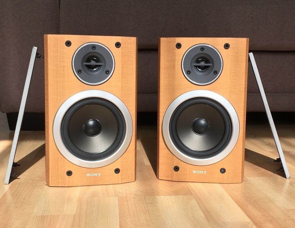 2 Excellent Sound Quality Sony Bookshelf Speakers (model