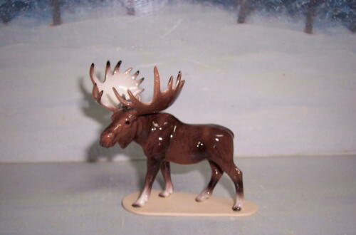 HAGEN-RENAKER MOOSE ON BASE #03137