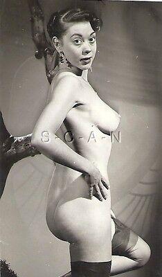 Original Vintage 1940s-50s Nude RP- Well Endowed Brunette- Stockings- Eyes- Butt