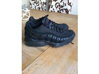 Nike Air Max 95 Size 5.5 Triple Black