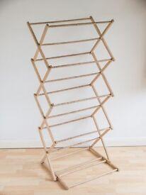 wooden concertina clothes horse / clothes dryer