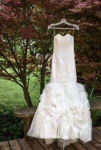 Beautiful Size 2 Wedding Dress - No Alterations