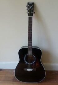 Acoustic F370 Yahama guitar (black), recently bought in September 2017, LIGHTLY used