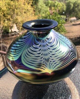 Stuart Abelman Glass Vase~Dark Purple Iridescent Pulled Feather Design~Signed segunda mano  Embacar hacia Argentina
