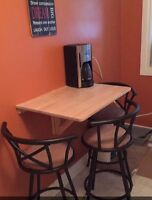 Table and 3 chairs 100$ OBO