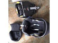 Maxi Cosi car seat including isofix base