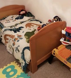 toddler bed with draw