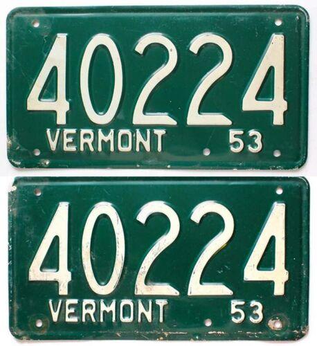 Vintage Green Vermont 1953 License Plate Pair, 40224