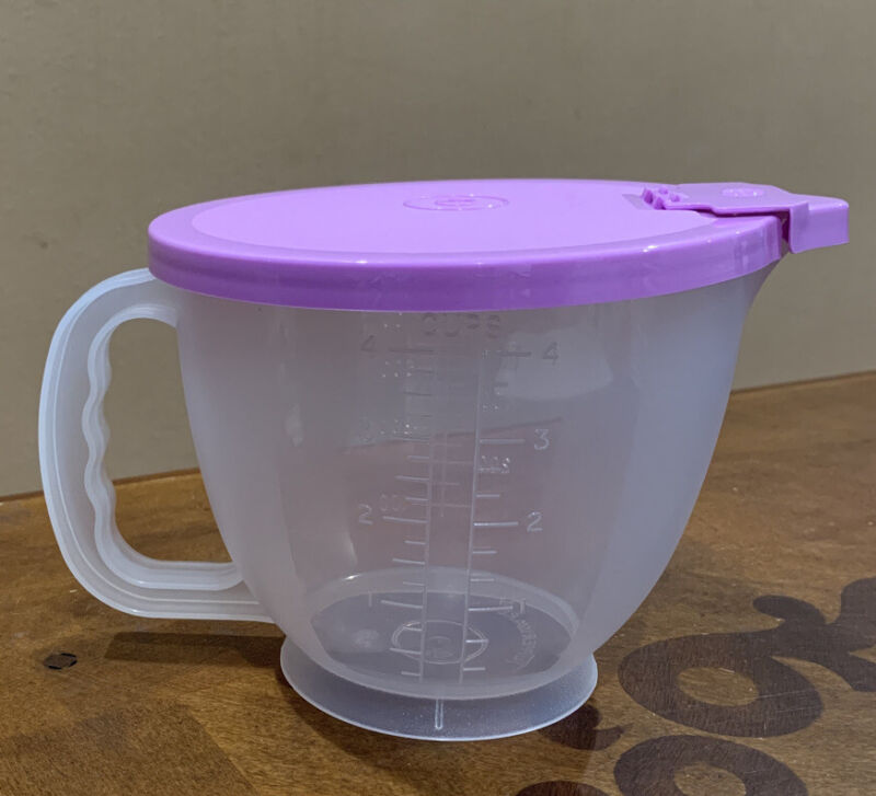 Tupperware Mix N Store Classic Measuring Mixing Pitcher 4-Cup / 1L RARE New