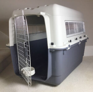 Dog crate Large  As new $75