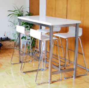 Table haute + 4 tabourets bar; bar table and 4 chairs, delivery!