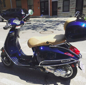 2015 VESPA PRIMAVERA 50 - LESS than 500 km!