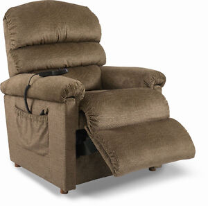 Lazyboy recliner lift chair b- excellent condition!