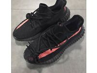 Mens size 9 Yeezy boost 350 Red/black