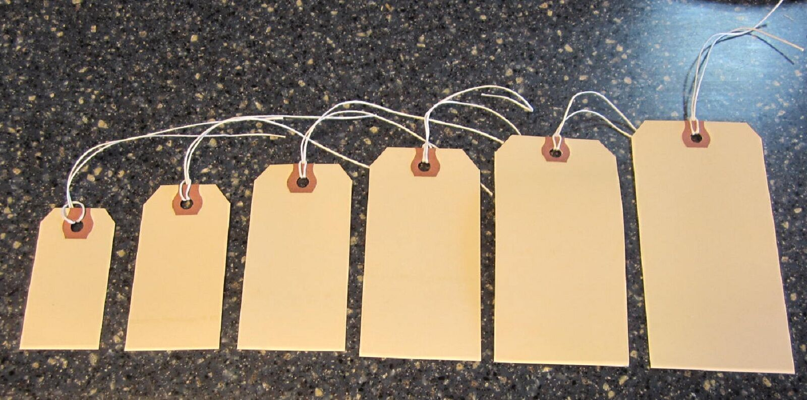 150 Avery Manilla Pre Strung Shipping Hang Tags Scrapbook Inventory String Label