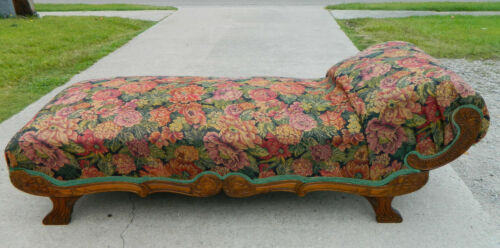 Carved oak Daybed Lounge circa 1900