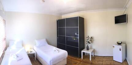 Great room in Downtown ST KILDA! All inc!!! from $320 pw