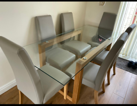 Beautiful Next dining table and 6 chairs