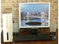 "DELL Desktop Computer PC Windows 7, 4GB RAM 19"" Monitor Speakers Keyboard Mouse"
