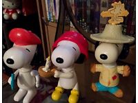 3 peanut Snoopy figure collectables