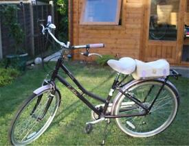 Victoria Pendleton town bike