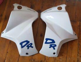 Pair of Suzuki DR 650 DR650 Side Panel / Fairing