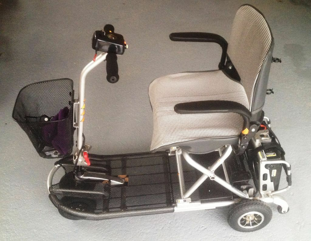 Ultralite 355 Mobility Scooter with Battery Charger and User Manual (Very  Good Condition)