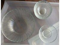Glass trifle bowl set