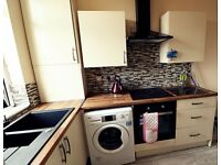 **ATTENTION MATURE STUDENTS & PROFESSIONALS** DOUBLE ROOM TO LET IN PRIME LOCATION - NEAR TOWN